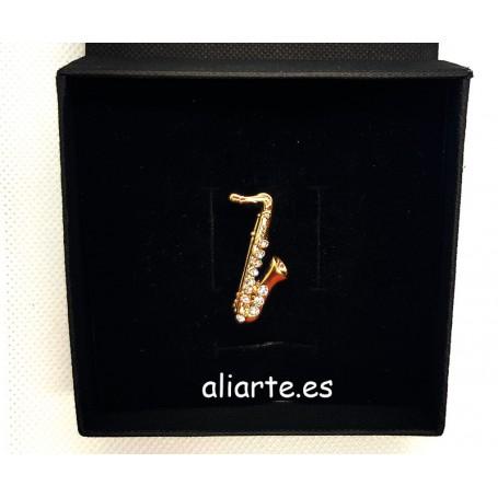 Saxofón Broche circonitas