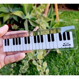 Regla con motivos musicales 3